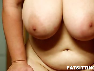 Face smothering with BBW mature bitch