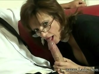 UK MILF Sonia wants cum, but doesn't...