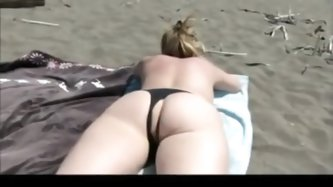 Sexy wife with amazing ass lets her...