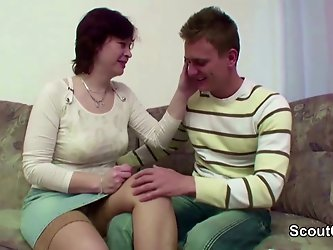 Step-Mom Seduce Young Boy to Fuck When Dad...